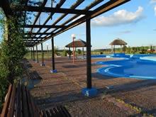 foto de las piscinas y el paisaje de las termas de almiron